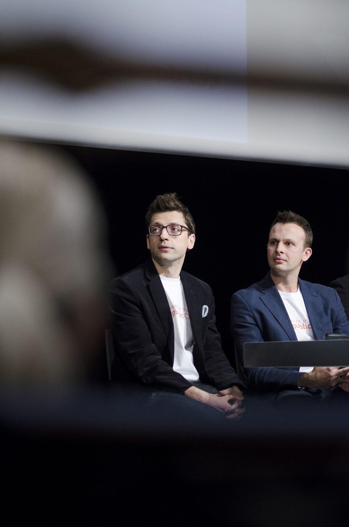 Słuchacze wykładu o przedsiębiorczości - fotografia reportażowa
