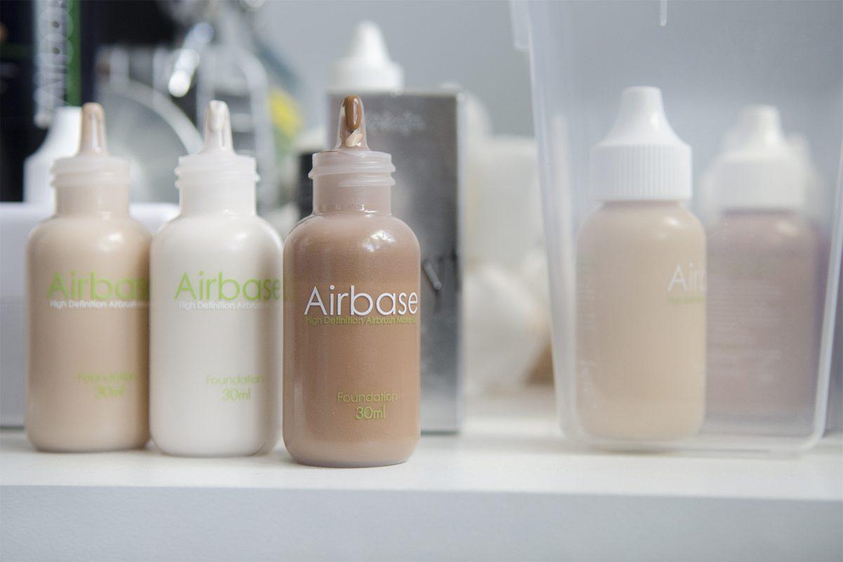 Zdjęcia reportażowe z warsztatów AirBrush - fotografia biznesowa
