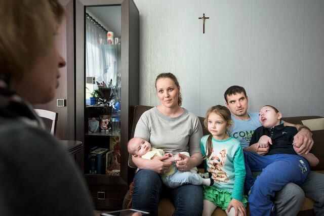W domu rodziny - fotografia reportażowa